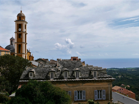 Cervione mit Blick auf die Ostküste