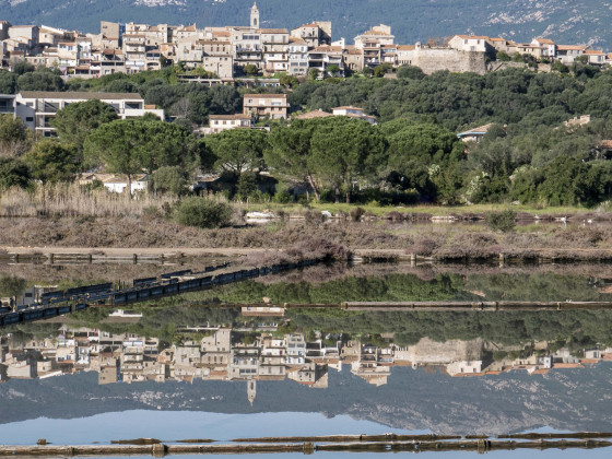 Porto Vecchio und sein Spiegelbild