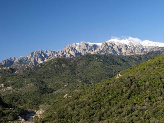 Bavellatürme und Plateau de Tova im Winter
