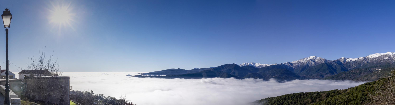 Panorama Wolkenmeer unter Prunelli di Fiumorbo