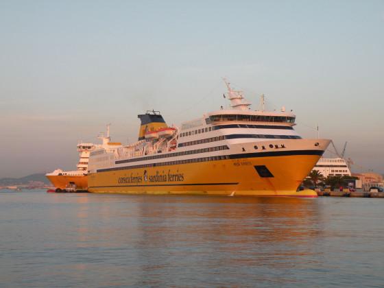 im-Hafen-von-Toulon