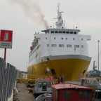 Im-Hafen-von-Livorno-4