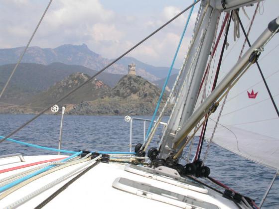 vor dem Turm von La Parata (îles sanguinaires)